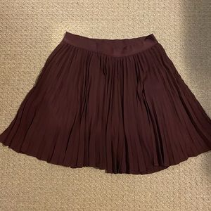 Babaton cranberry pleated skirt M